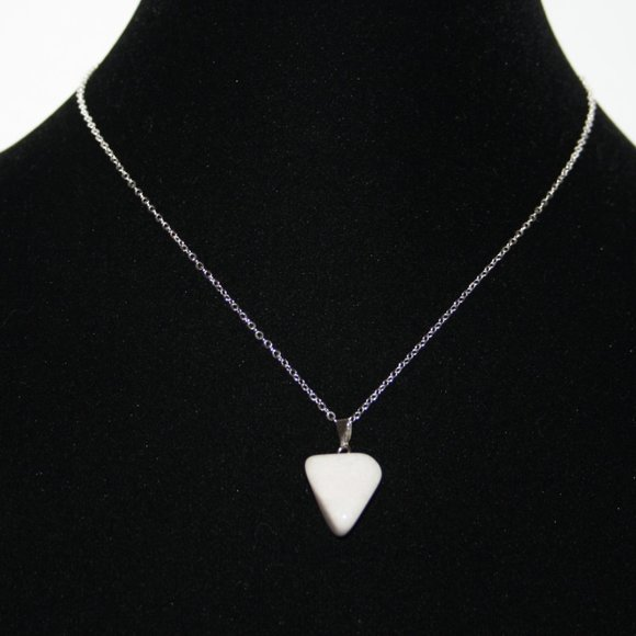"""Natural gray stone necklace nwot 16"""""""